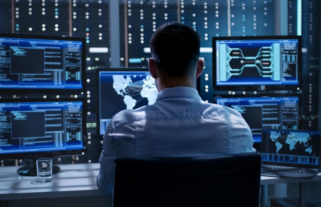 BİLGİ TEKNOLOJİLERİ UZMANLARI NEDEN UYUYAMIYOR? - CyberMag